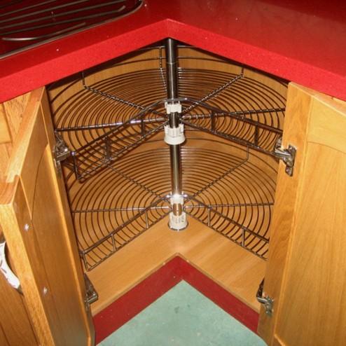 Angle pivotant à 270 degrés, acier au coin inférieur du support de